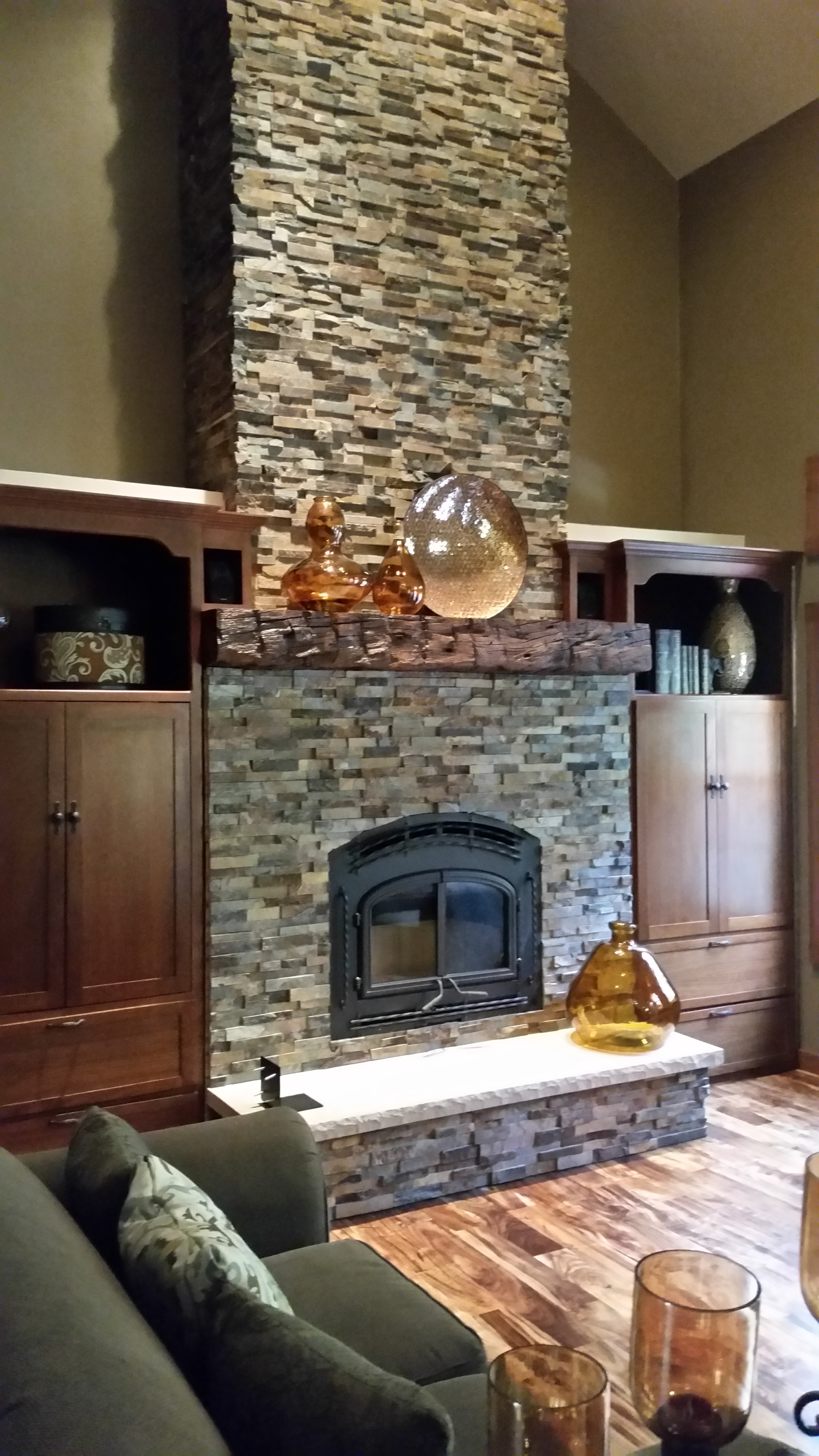 Quadra Fire 7100 With California Gold Stacked Stone