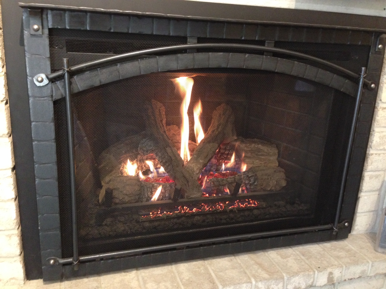 Heat Amp Glo Escape I35 With Chateau Forge Front Gagnon